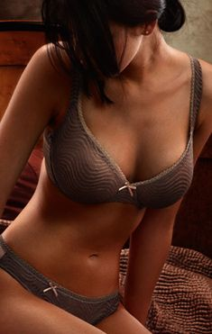 Can be used as a seamless t-shirt bra