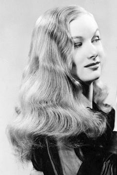 A CONFIDENT WOMAN - Veronica Lake - Paramount Pictures - Publicity Still.