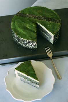 Try something new with this amazing recipe for a Black Sesame Matcha Mousse Cake.