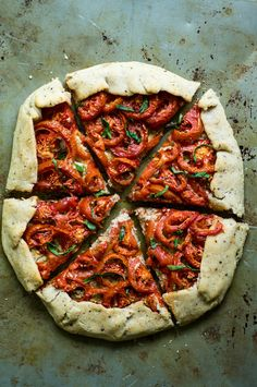 San Marzano Tomato Galette with No-Chill Cassava Flour Crust and No-Soak Cashew Garlic Herb Ricotta The Curious Coconut San Marzano Tomato Galette with No-Chill Cassava Flour Crust and No-Soak Cashew Garlic Herb Ricotta The Curious Coconut The nbsp hellip Kitchen Recipes, Paleo Recipes, Real Food Recipes, Cooking Recipes, Lunch Recipes, Pizza Recipes, Easy Recipes, Grain Free, Dairy Free