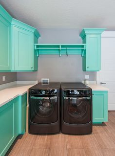 House of Turquoise: Mountain Cabinetry