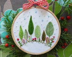 Kit de bordado de ornamento - bosque de Navidad - Navidad, ornamento del árbol de Navidad, regalo de Navidad, decoración de vacaciones, Tamar Nahir