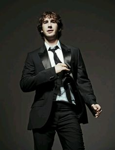 Josh Groban...looking good