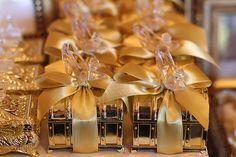 Festa Princesa Provençal – Gardênia Araújo Festas Cinderella Sweet 16, Princess Party, Silver Glitter, Fairy Tales, Gift Wrapping, Baby Shower, Table Decorations, Bottle, Rose