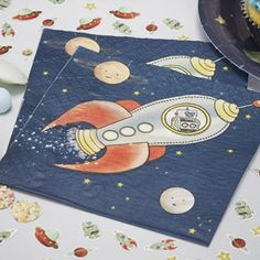 <p>Amazing space design napkins with a robot piloted rocket ship in space ship!</p><p>Perfect for out fo this world kids birthday parties!</p><p>Pack of 20 napkins, 33cm square when opened out.</p>