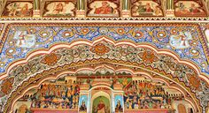 Mandawa (Shekawati Region): the biggest open-air museums for lovers of colourful frescos.