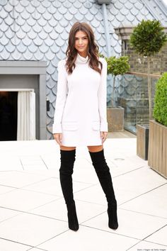 Emily Ratajkowski Shows Us The Right Way To Wear Thigh-High Boots