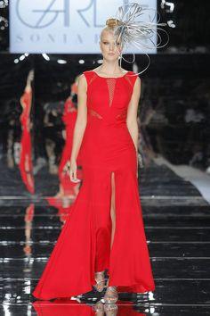 Sonia Peña. Credits_ Barcelona Bridal Fashion Week Bridal Fashion Week, Evening Gowns, Beautiful Dresses, Wedding Inspiration, Jumpsuit, Formal Dresses, Party Dresses, Barcelona, Style