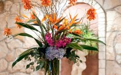 Click here for galleries of Wedding Flower Styles & Arrangements. Have the Wedding you want, don't settle. Contact us today at 512-236-0916 to get started planning! Wedding Flowers in Austin is our specialty.