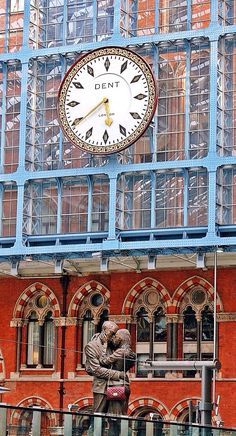 time for love ..... by Darek Klimek on 500px - St. Pancras Station, London, England