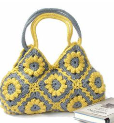Most beautiful purse for any day of the week . adorable gift idea!