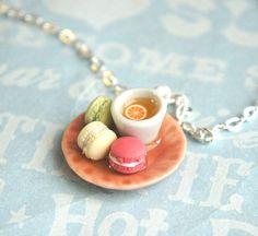 macaroons with tea