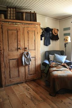 12 Examples of Farmhouse Style ~ Humpdays with Houzz - Town & Country Living / Please tell me that cupboard is filled with beautiful books...  :-)  love this reading corner!