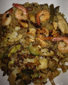 Chicken/shrimp with quinoa/pepper n' onion & sautéed veggies  Chicken/shrimp sautéed in seasoned garlic flavored rice vinegar..  Quinoa cooked in rice cooker mixed with leftover sautéed peppers n' onions Sautéed cauliflower/zucchini/summer squash/mushrooms