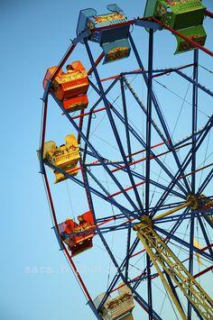 Ferris Wheel  Receptions are boring. I want a Ferris wheel