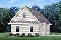 Front detail - Traditional Garage Plan 45512 with loft apartment guest house Country House Plans, Best House Plans, Farmhouse Design, Farmhouse Style, Garage Plans With Loft, Garage Ideas, Monster House Plans, Apartment Plans, Studio Apartment