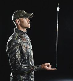 Shoot Like a Champ: Levi Morgan's Tips for Better Bowhunting Accuracy Archery Poses, Archery Tips, Archery Targets, Bow Hunting Tips, Hunting Arrows, Hunting Stuff, Crossbow Hunting, Archery Hunting, Bow Quiver