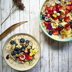 Good morning everyone! Have you guys met Annelina from @food_without_regrets ?! This German beauty shares daily plantbased recipes that look absolutely incredible. She also gives us little clips into her daily life as well which I love! Definitely go check her out!  #featurefriday  #vegan #vegansofig #plantbased #plantprotein #food #foodie #foodshare  #healthyfood #smoothie #smoothiebowl #superfood #nicecream #juice  #thekitchn #thechalkboardeats #vegan #vegansofig #plantbased #plantprotein…