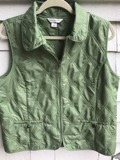 Christopher-Banks-Quilted-Green-Vest-Size-Large-Front-Zipper-Buttoned-Pockets
