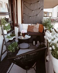 10 Balcony Garden Ideas - How to Grow Plants on a Small Balcony Patio Decor, Decor, Balcony Decor, Small Apartment Design, Home, French Country Garden, Cozy Interior Design, Apartment Garden, Home Decor