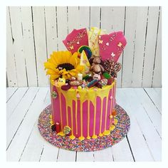 43 Likes, 3 Comments - Floss Cakery Happy First Birthday, First Birthdays, Celebration Cakes, Vanilla Cake, Raspberry, Daddy, Birthday Cake, Eat, Videos