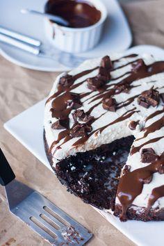 Chocolate Mint Brownie Cheesecake | Jellibeanjournals.com