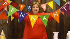 Easy Pennant Project-Sewing With Layer Cakes! Video tutorial from Jenny Doan of Missouri Star Quilt Co. Missouri Star Quilt Tutorials, Quilting Tutorials, Quilting Projects, Sewing Projects, Msqc Tutorials, Quilting Ideas, Star Banner, Pennant Banners, Star Quilts
