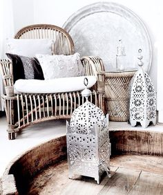 Moroccan Style  #morocco#moroccan#oriental#dubai#design#decor#modern#interior#interiordesign#craft#traditional#bohemian#chic#cosy#house#home#room#linvingroom#white#silver#metal#lantern#candles#style#details#boho#beautiful#inspiration#instagood#instagram