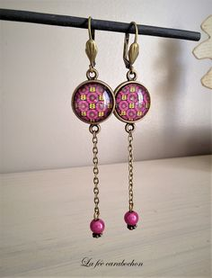 pendent earrings * wax fuchsia / african fabric * ethnic pink bronze, glass cabochon: earrings by la-fee-carabochon Source by Ear Jewelry, Jewelry Crafts, Jewelry Art, Beaded Jewelry, Fashion Jewelry, Jewelry Making, Rock Necklace, Homemade Jewelry, Girls Necklaces