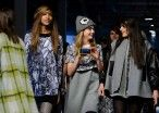 NYFW: Cara Delevingne Manages To Stay On The Runway While Taking Seflies