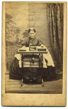 mugshotsSewingMachine Antique Quilts, Vintage Quilts, Civil War Quilts, Civil War Art, Antique Sewing Machines, Civil War Photos, Vintage Pictures, Vintage Photographs, Illustrations