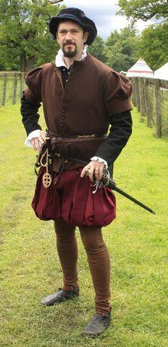 Man van de Crimeaanse middenklasse. Aan zijn kleding te zien geen rijke adel, maar wel welvarend genoeg voor een zwaard.