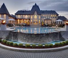 Big Mansions, Mansions Homes, Dream Home Design, Modern House Design, Villa Luxury, Villa Am Meer, Dream Mansion, Luxury Homes Dream Houses, Dream Homes