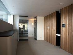 Dubbele FritsJurgens stalen Taatsdeuren met glas. Een project van G. de Rooy Metaaldesign #stalenbinnendeuren #taatsdeuren