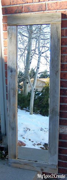 My Love 2 Create: Old fence wood framed Mirror Patio Decorating Ideas, Wood Fence Ideas, Cool Backya Old Fence Wood, Old Fence Boards, Old Fences, Cedar Fence, Bamboo Fence, Wood Framed Mirror, Diy Mirror, Pallet Mirror Frame, Rustic Mirrors