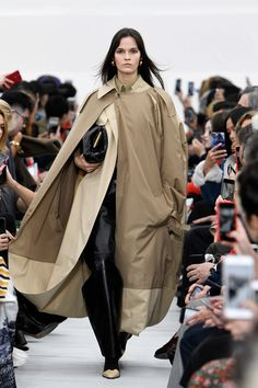 Fresh Off The Runway From Céline Spring Summer 2018 Celine, Spring Summer 2018, Raincoat, Street Wear, Runway, How To Wear, Jackets, Clothes, Outfits