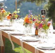 12 beautiful late-summer tablescapes to inspire your next dinner party