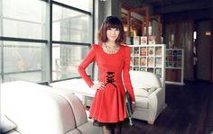 Fashionable Round Neck Waist Lace Up Lace Hem Puff Sleeve Slimming Pleated Dress