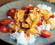 Kokoscreme Tofu mit Kirschtomaten auf Reis