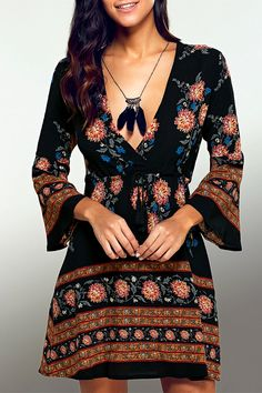 $14.41 Plunging Neck 3/4 Sleeve Printed Dress