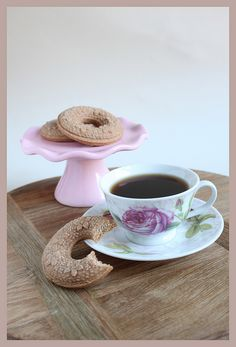Beautiful wreath cookies, made with a springerle mould. Speculaas cookies, with a cup of coffee ;)