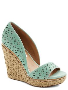 #mint perforated wedges http://rstyle.me/n/hjts5r9te