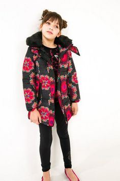 Desigual Girls' black printed down jacket. Our collection wants to play, fancy joining in?