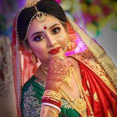 Bengali Bridal Makeup, Bengali Wedding, Bengali Culture, Actress Without Makeup, Beautiful Girl In India, Gold Fashion, Bridal Portraits, Girl Face, Indian Beauty
