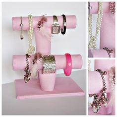 Twoje DIY - czyli zrób to sam: Stojak na biżuterię  http://twojediy.blogspot.com/2013/04/stojak-na-bizuterie.html