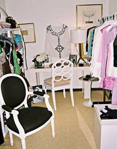 mini dressing room