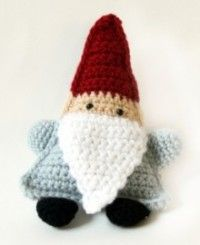 Oh he's so adorable! I might have to make one.