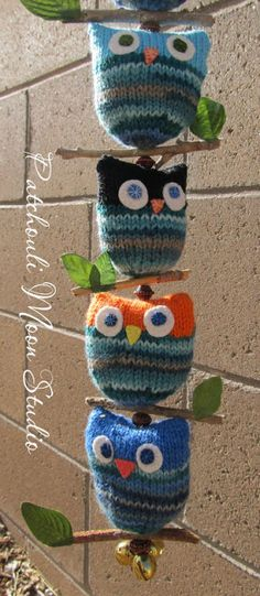 knit string of owls More