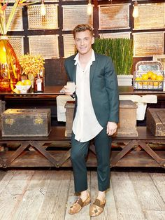 Jeremiah Brent Shares the Secret to a Stellar Dinner Party via @MyDomaine