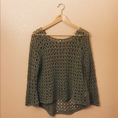 ⭐️ Free People ⭐️ green crochet sweater Perfect for spring over a tank or worn as a bathing suit cover up. Hi low style and fits true to size but can definitely stretch. Color is a slightly lighter shade of green. Great condition!  offers welcome but no low balls please! no trades or off-posh selling bundle 2+ items and get 20% off! sometimes this changes a bit so keep an eye out for better deals ❤️ Free People Sweaters Crew & Scoop Necks